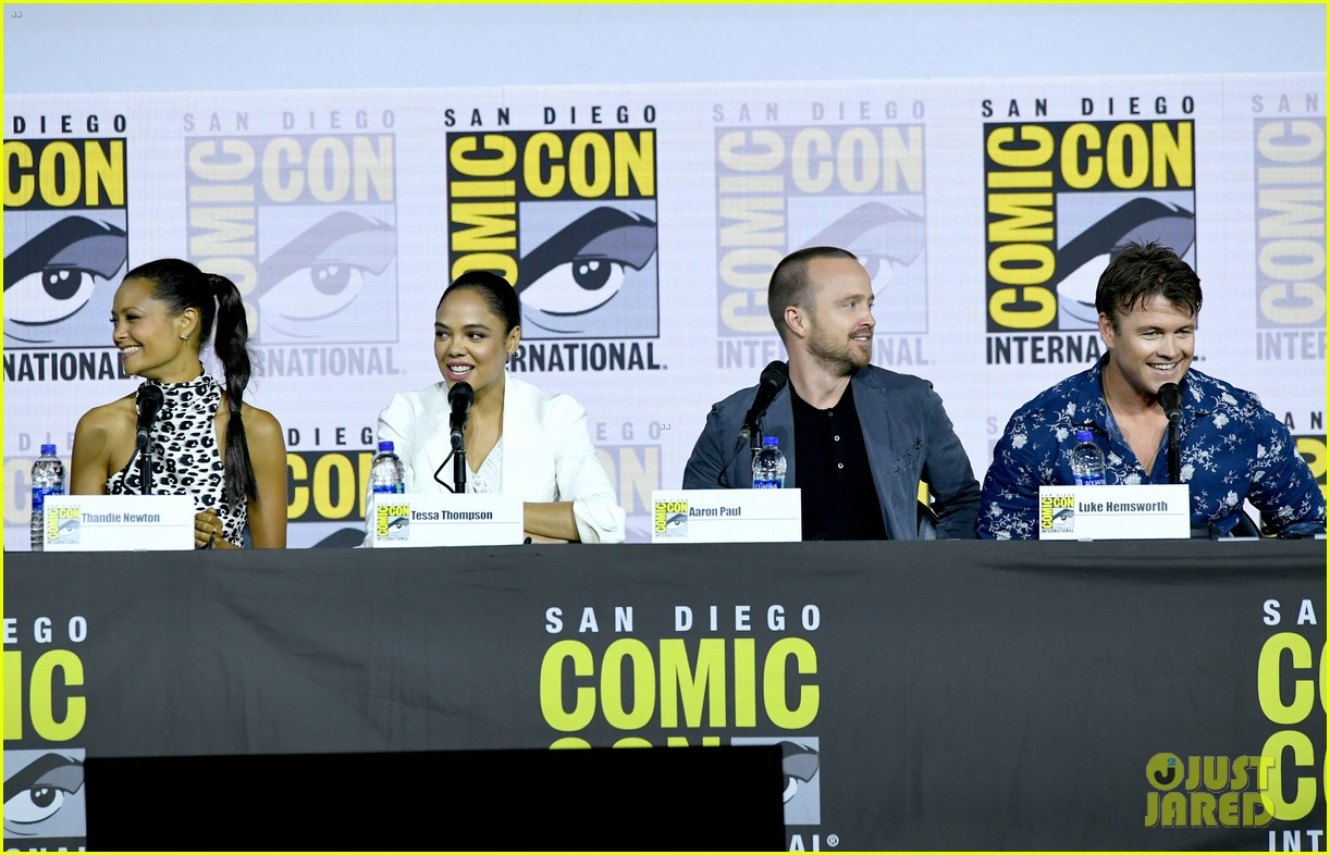 aaron paul thandie newton evan rachel wood westworld comic con 154324363