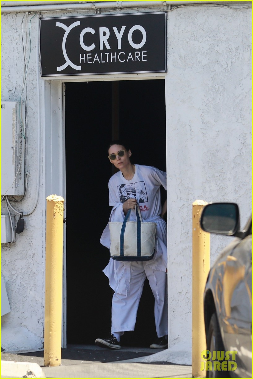 joaquin phoenix rooney mara step out after engagement rumors 054325147