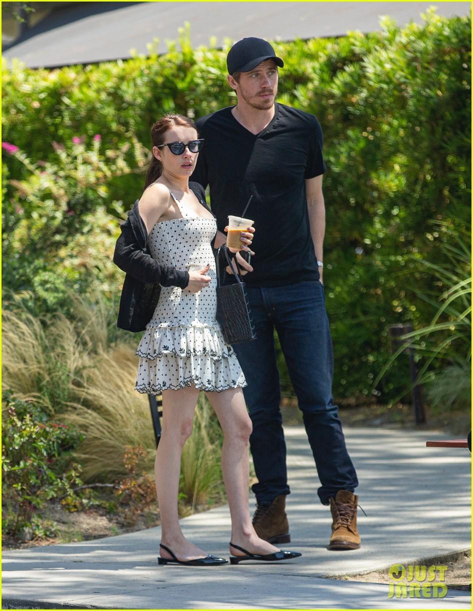 Emma Roberts Joins Boyfriend Garrett Hedlund For L A Lunch Date Photo 4328901 Emma Roberts Garrett Hedlund Pictures Just Jared