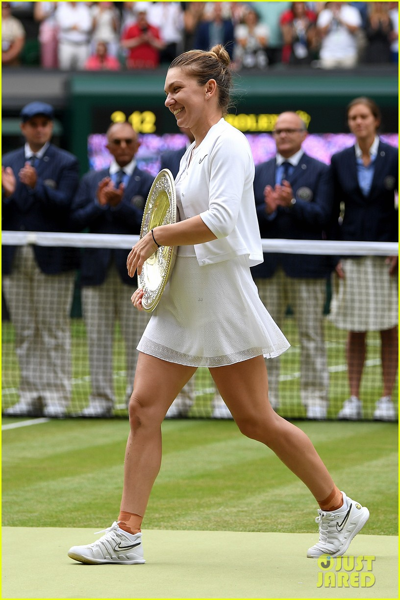 serena williams simona halep wimbledon final 02