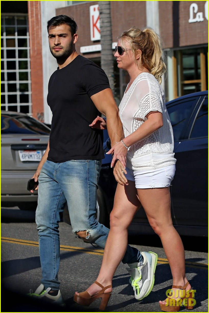 britney spears sam asghari hold hands in weho 19