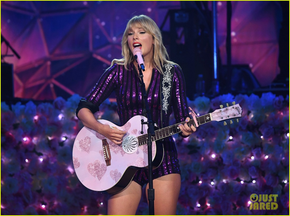 taylor swift amazon prime day concert 144320389