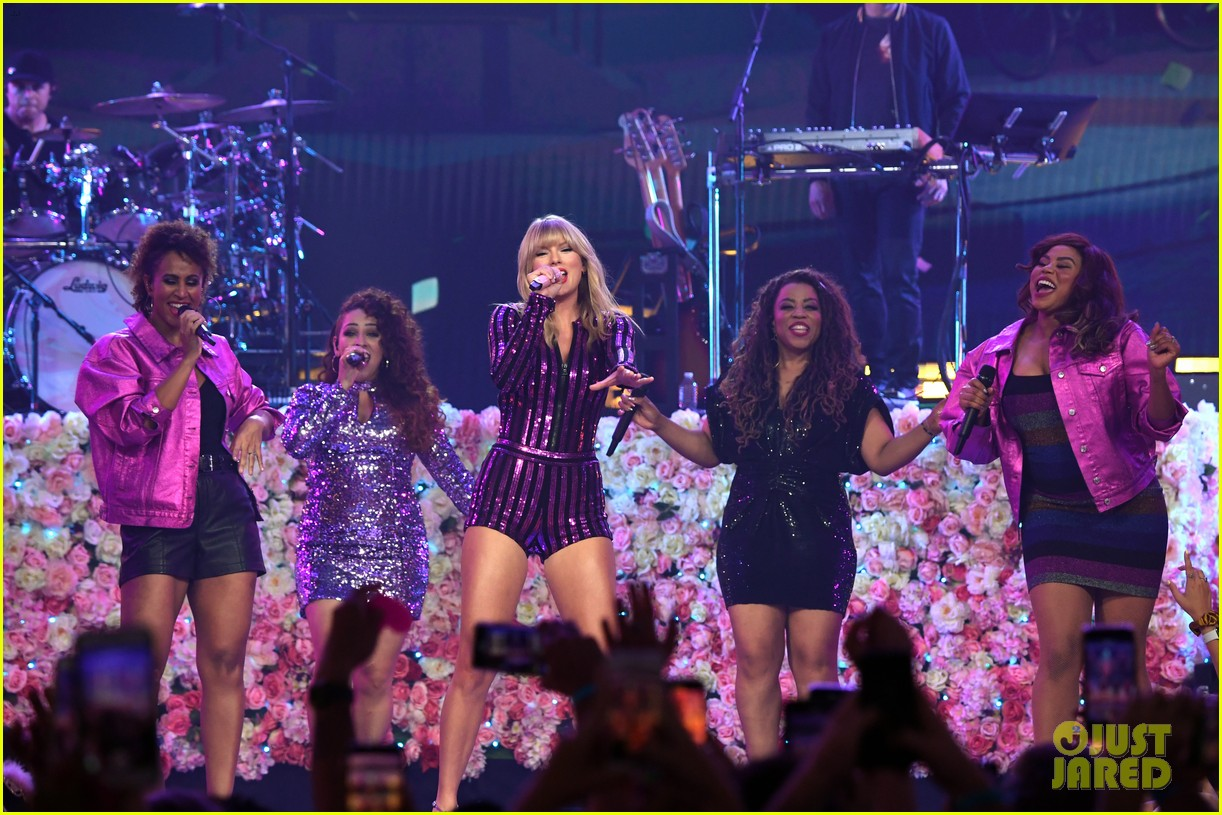taylor swift amazon prime day concert 214320396