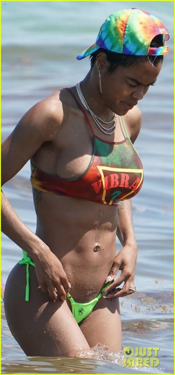 teyana taylor hits beach in a bikini with shirtless iman shumpert 01
