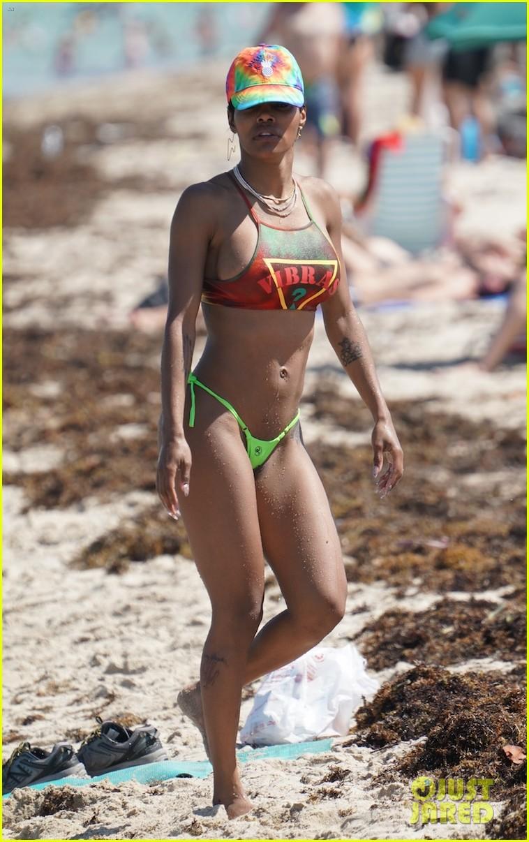 teyana taylor hits beach in a bikini with shirtless iman shumpert 09