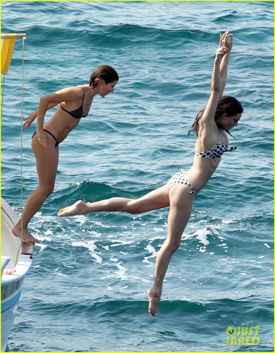 phoebe tonkin and bella heathcote bare their bikini bods in capri 044317360