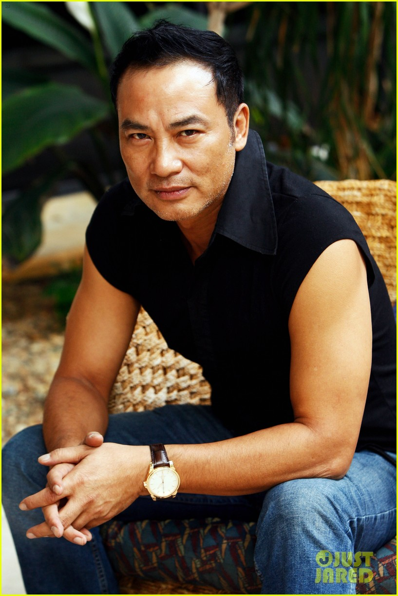 simon yam stabbed in china 094324000