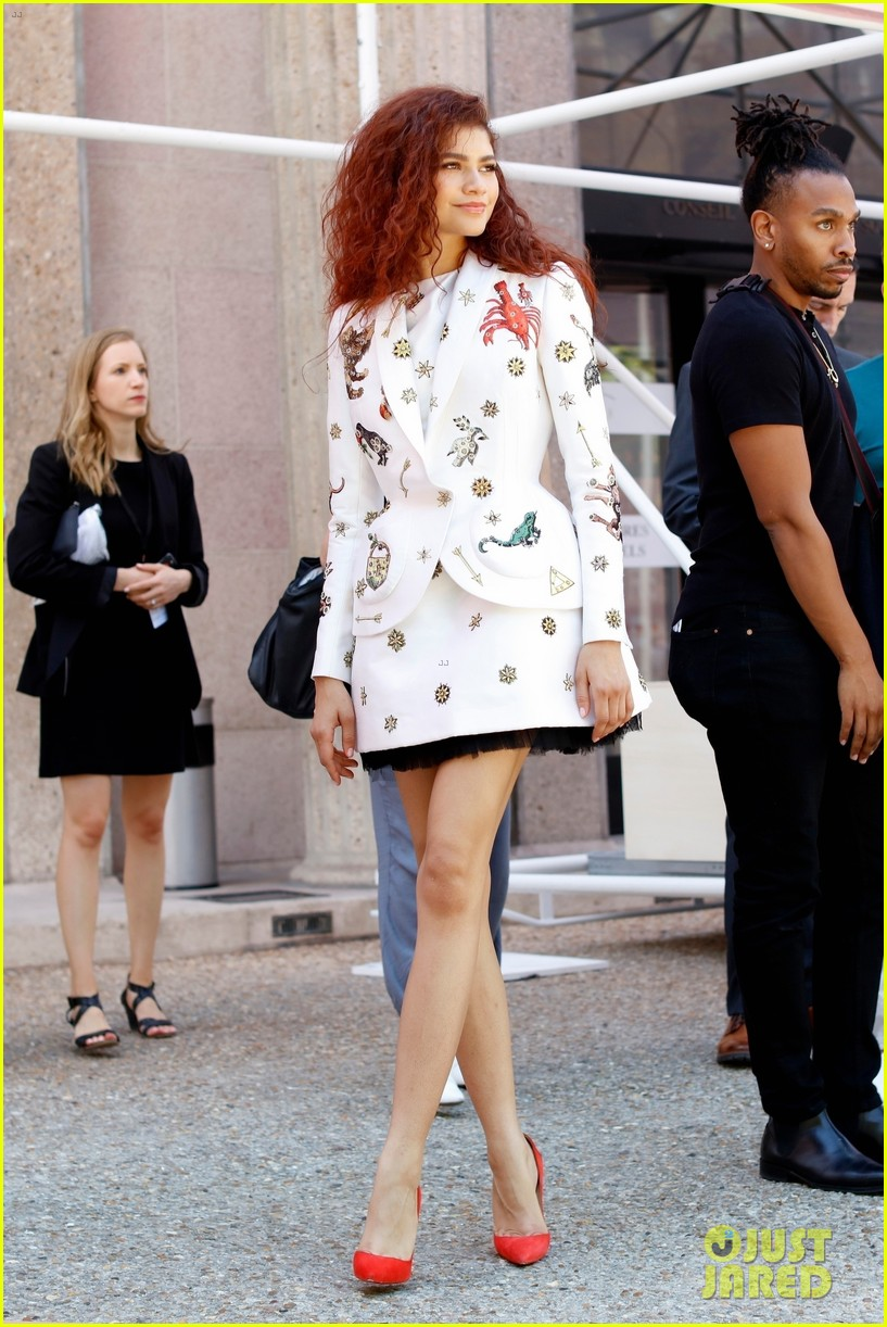 Zendaya Wears Red Hot Heels Out in Paris: Photo 4317549