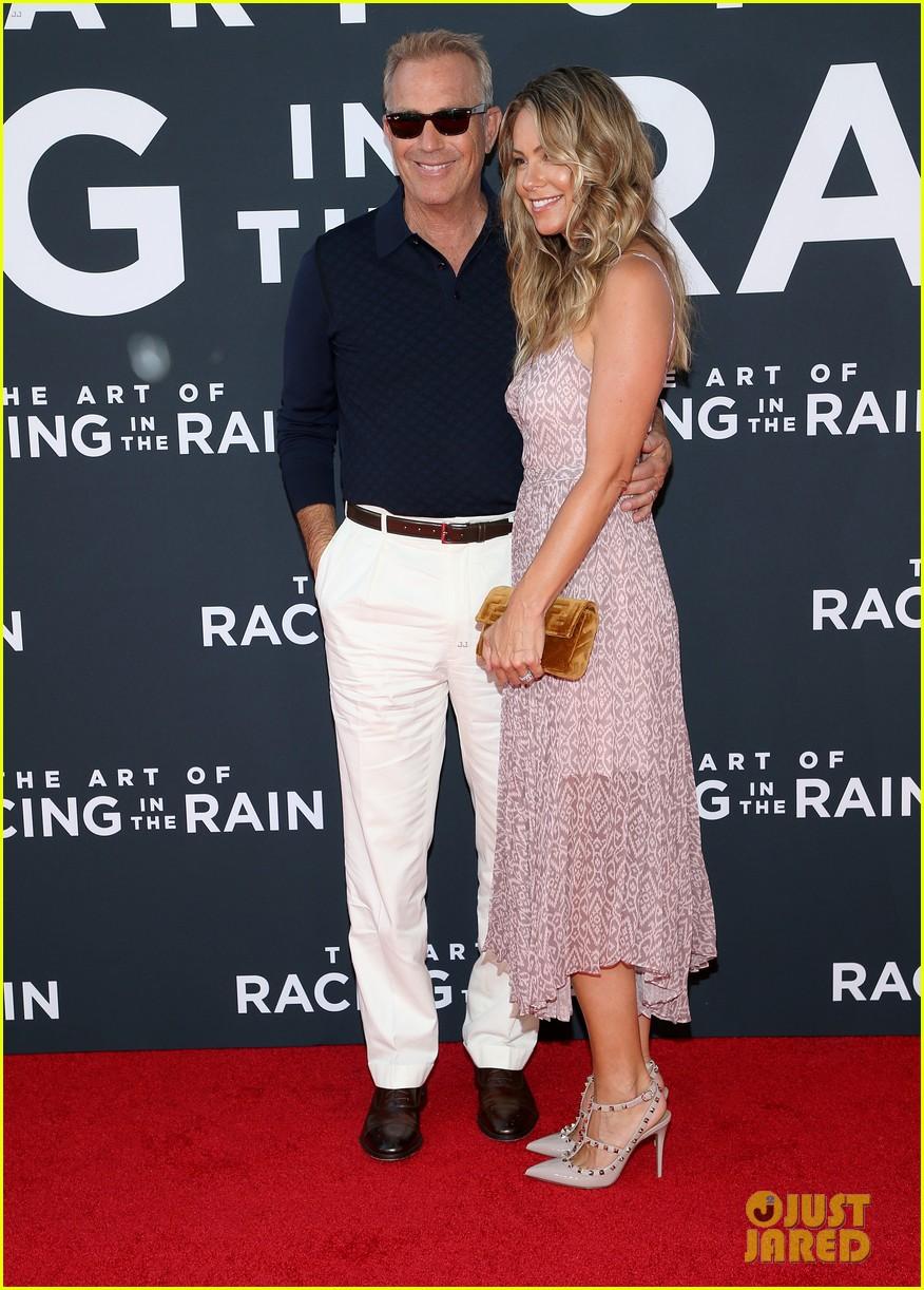 amanda seyfried milo ventimiglia art of racing in the rain premiere 12