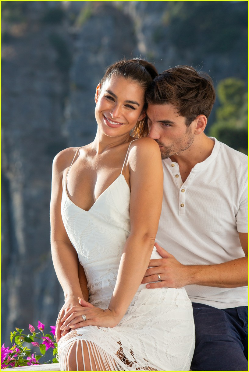 ashley iaconetti jared honeymoon august 2019 024338202