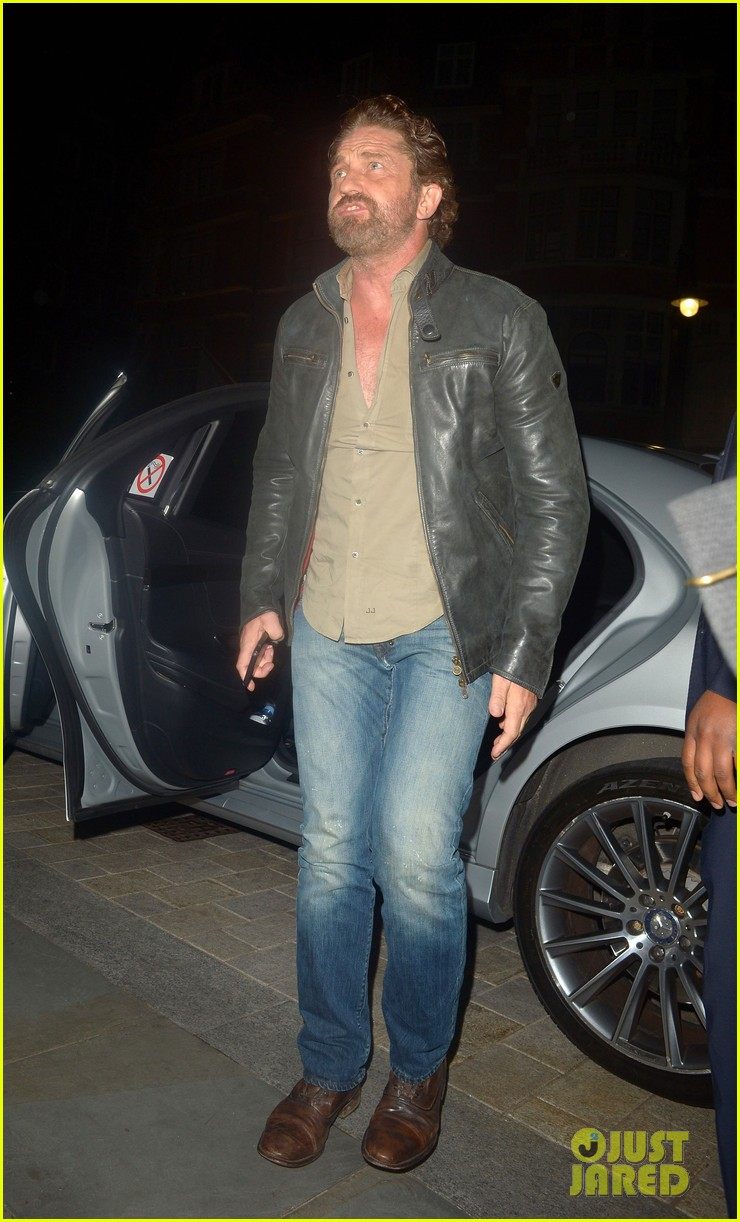 gerard butler steps out for dinner in london 024335583
