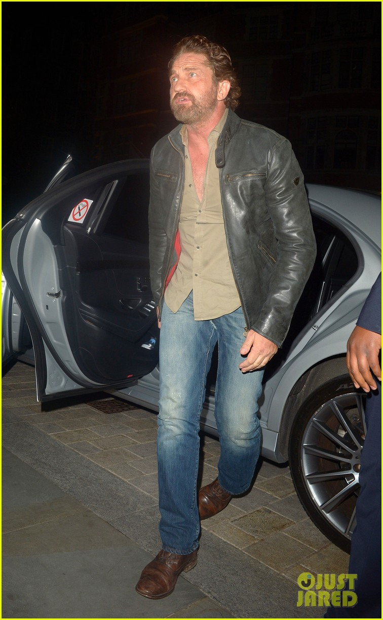 gerard butler steps out for dinner in london 044335585