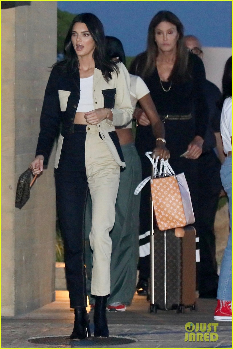 kendall jenner grabs dinner with caitlyn jenner in malibu 03