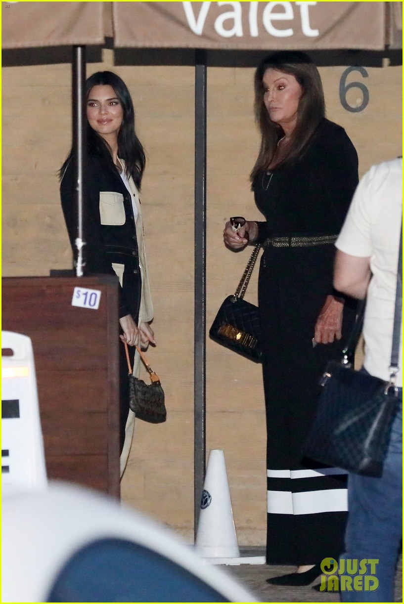 kendall jenner grabs dinner with caitlyn jenner in malibu 08