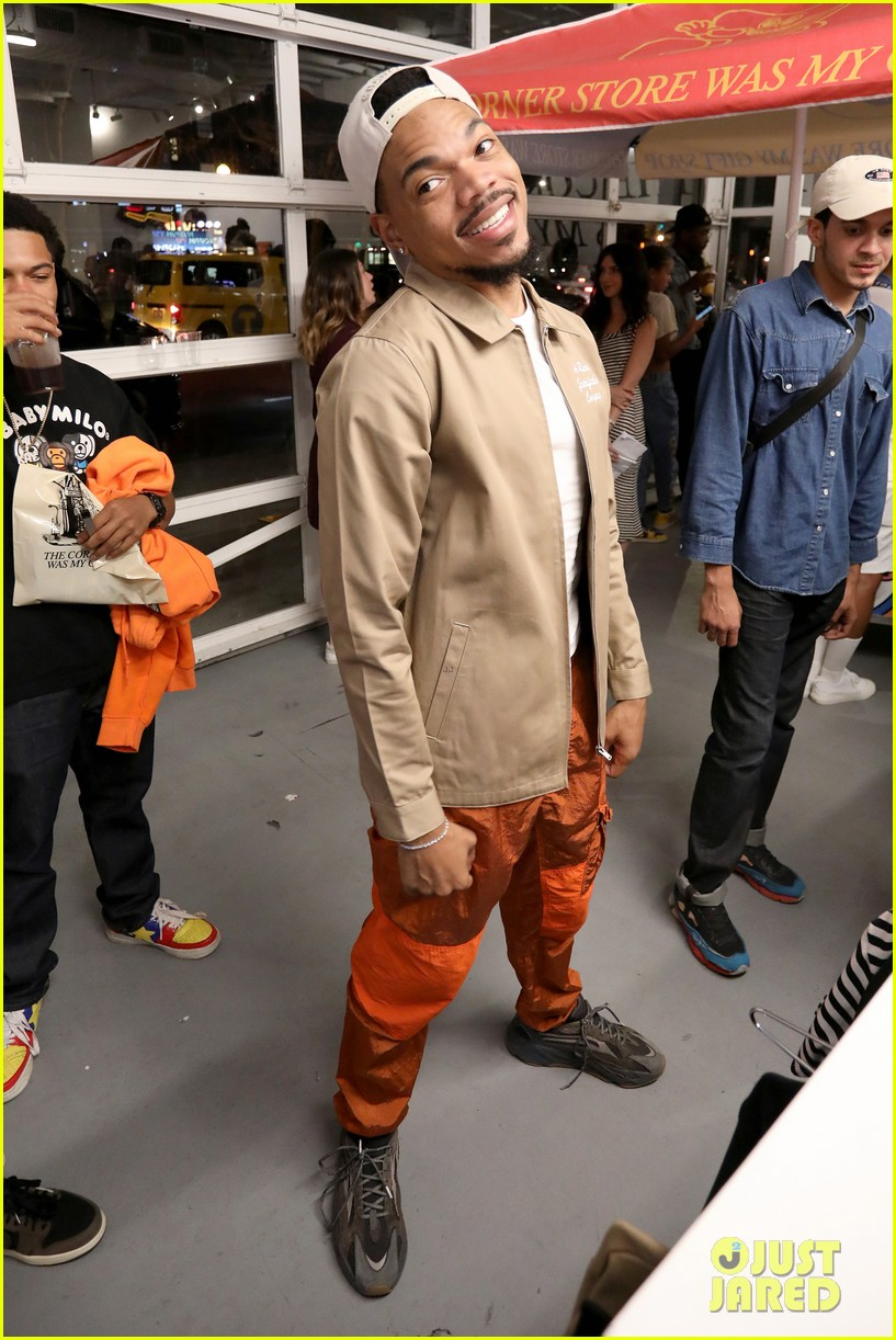 chance the rapper supports joe freshgoods at snapple pop up shop 014338958