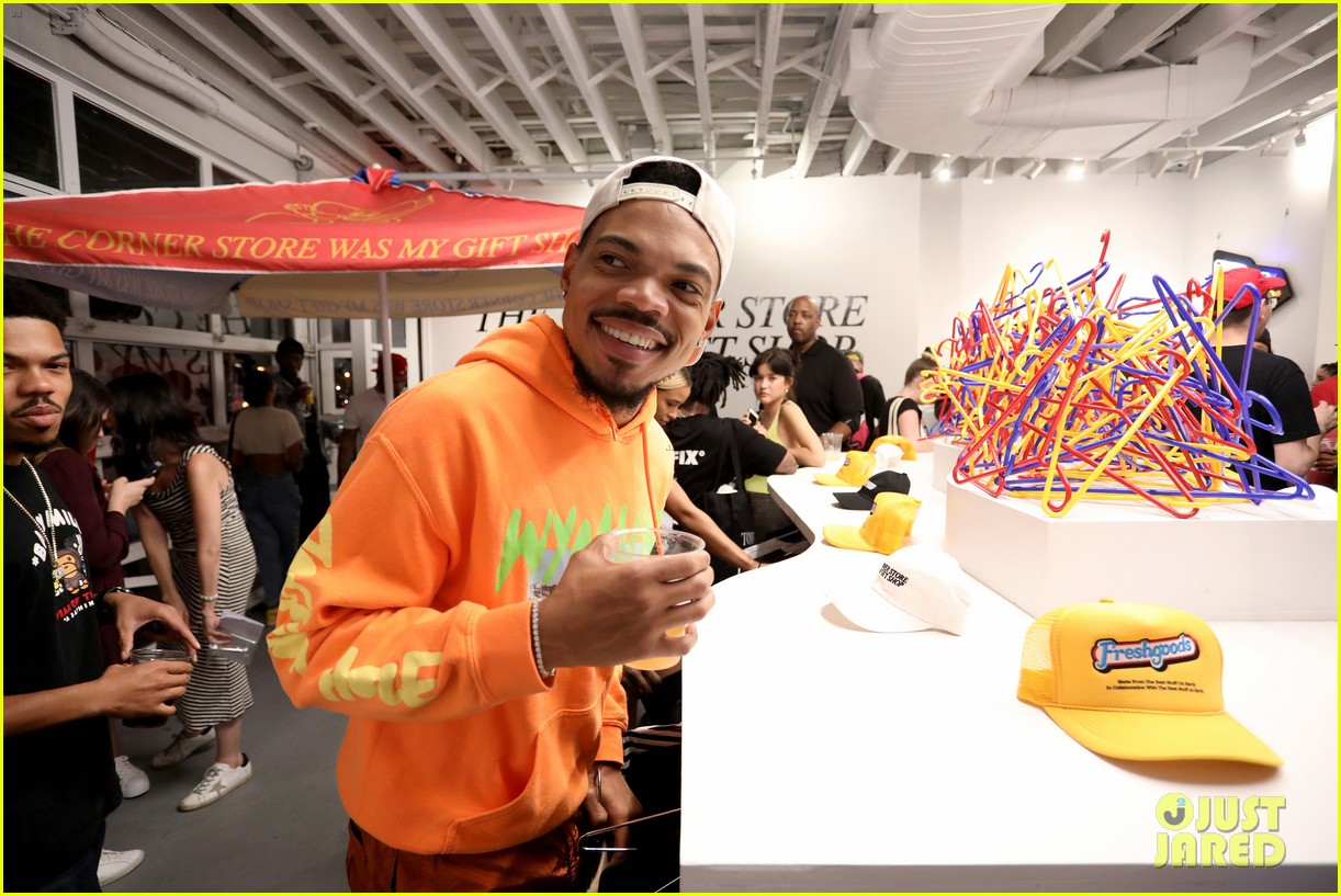 chance the rapper supports joe freshgoods at snapple pop up shop 044338961
