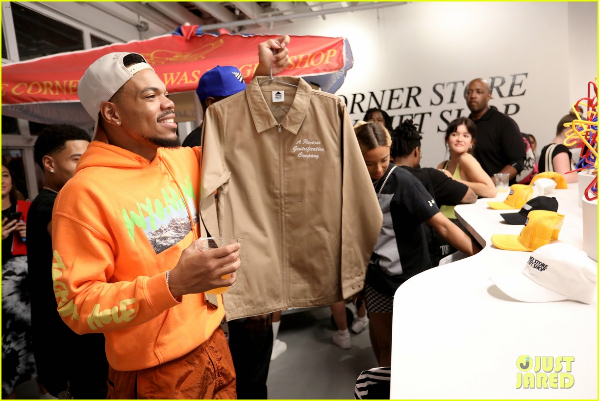 chance the rapper supports joe freshgoods at snapple pop up shop 054338962