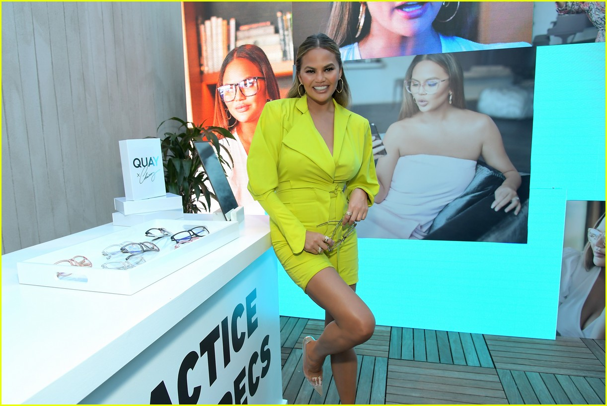 chrissy teigen celebrates new quay collection 07
