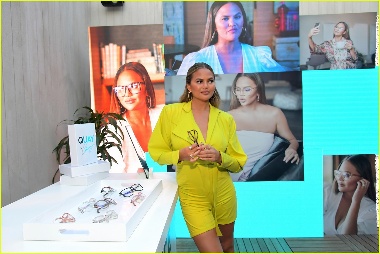 chrissy teigen celebrates new quay collection 094336821
