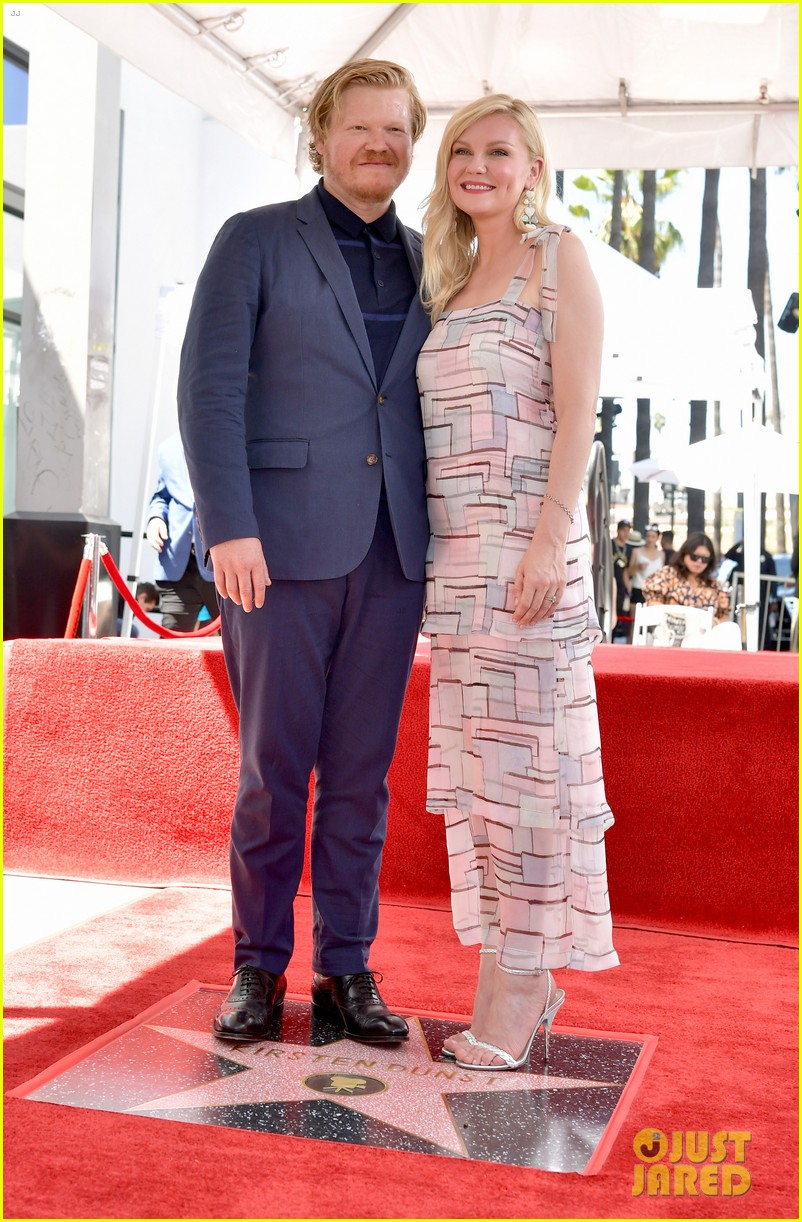 kirsten dunst gets support from fiance jesse plemons son ennis at walk of fame honor 094342186