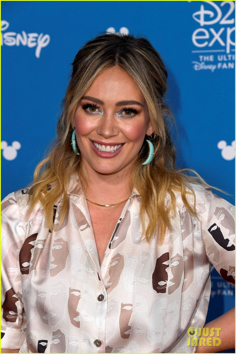 hilary duff reacts to lizzie mcguire news 044339035
