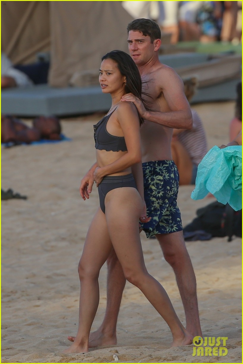 jamie chung bryan greenberg hawaii august 2019 024337139