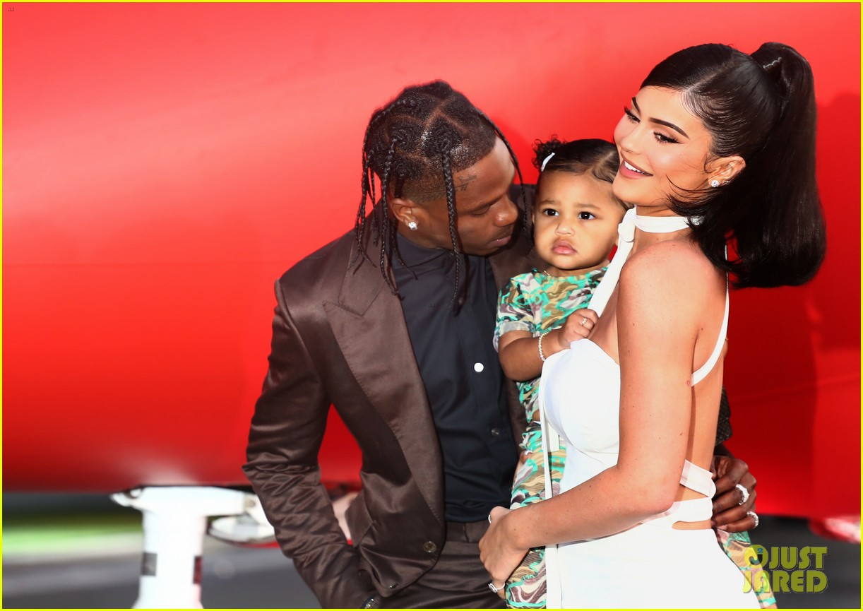 kylie jenner daughter stormi travis scott look mom i can fly premiere 244341566