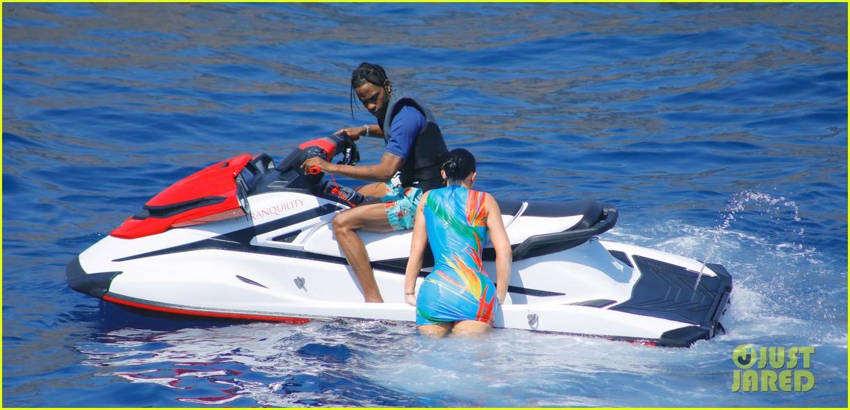 kylie jenner travis scott jet ski on her birthday 014333578