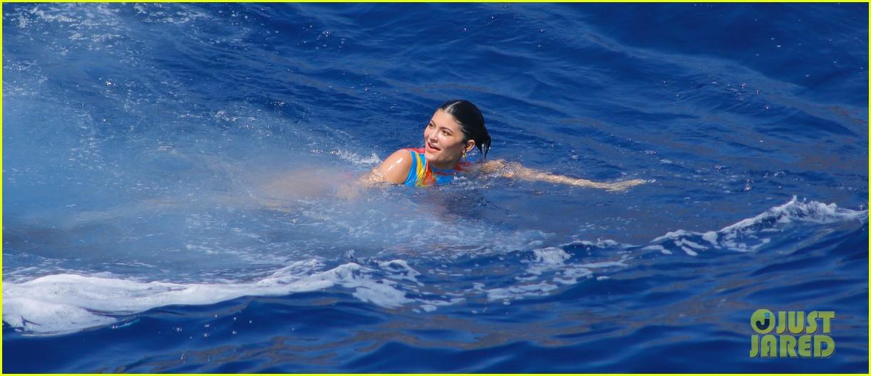 kylie jenner travis scott jet ski on her birthday 034333580