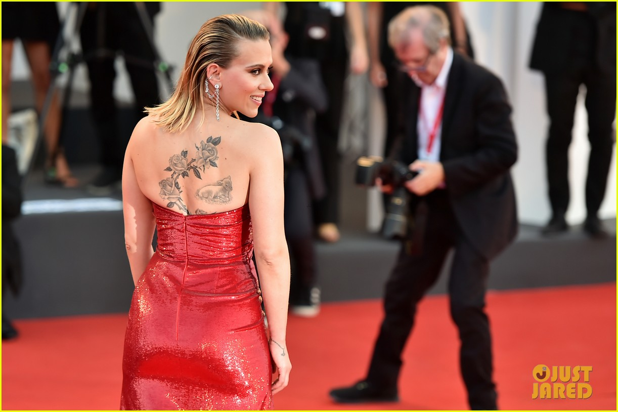 Scarlett Johansson & Adam Driver Premiere 'Marriage Story