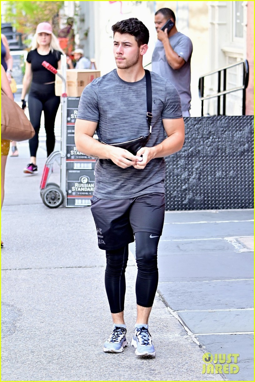 sophie turner joe jonas lunch after workout nick jonas 03