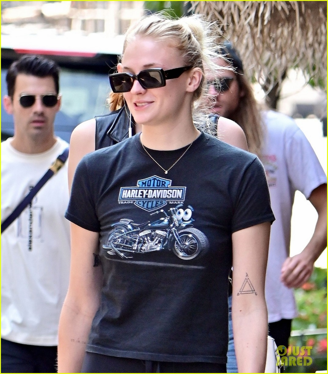 sophie turner joe jonas lunch after workout nick jonas 04