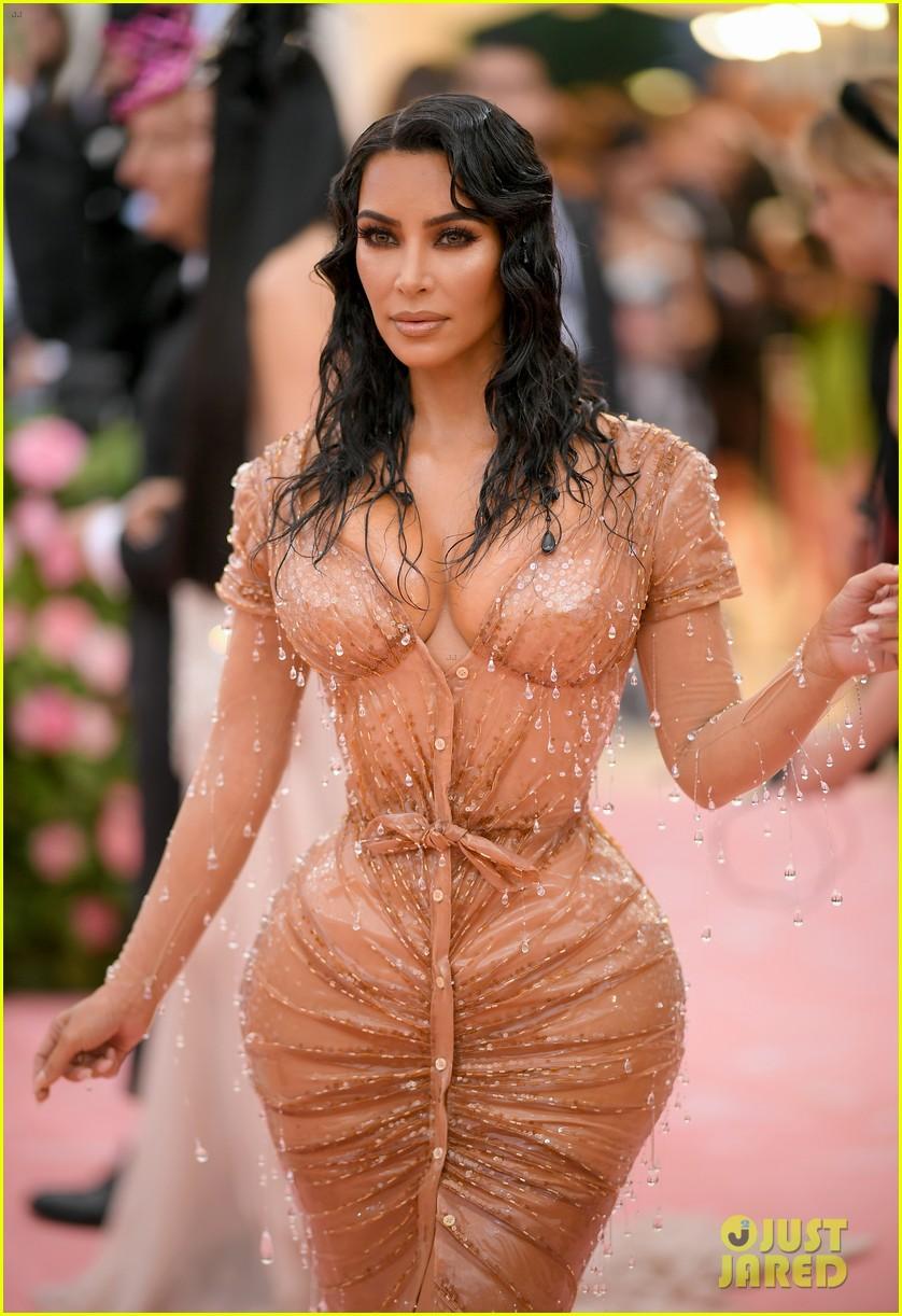 kim kardashian met gala 2019 look 014330575