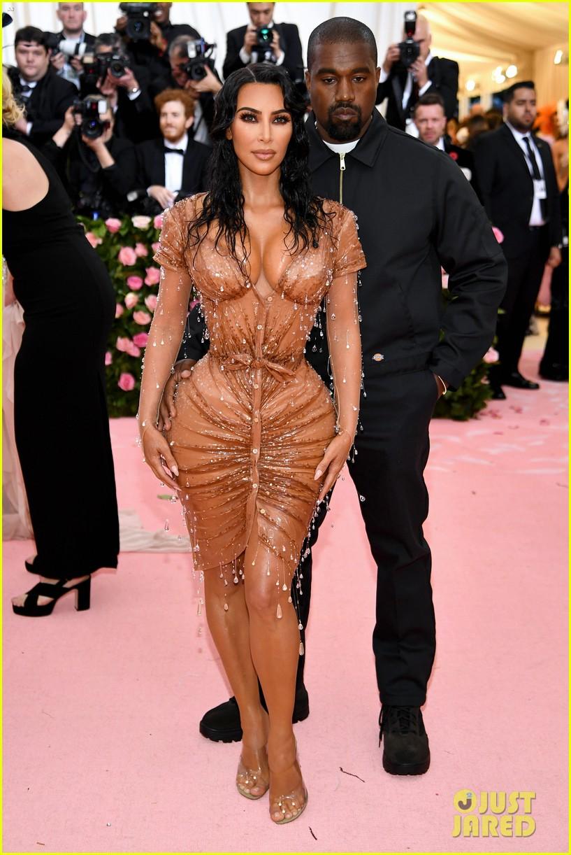 kim kardashian met gala 2019 look 024330576