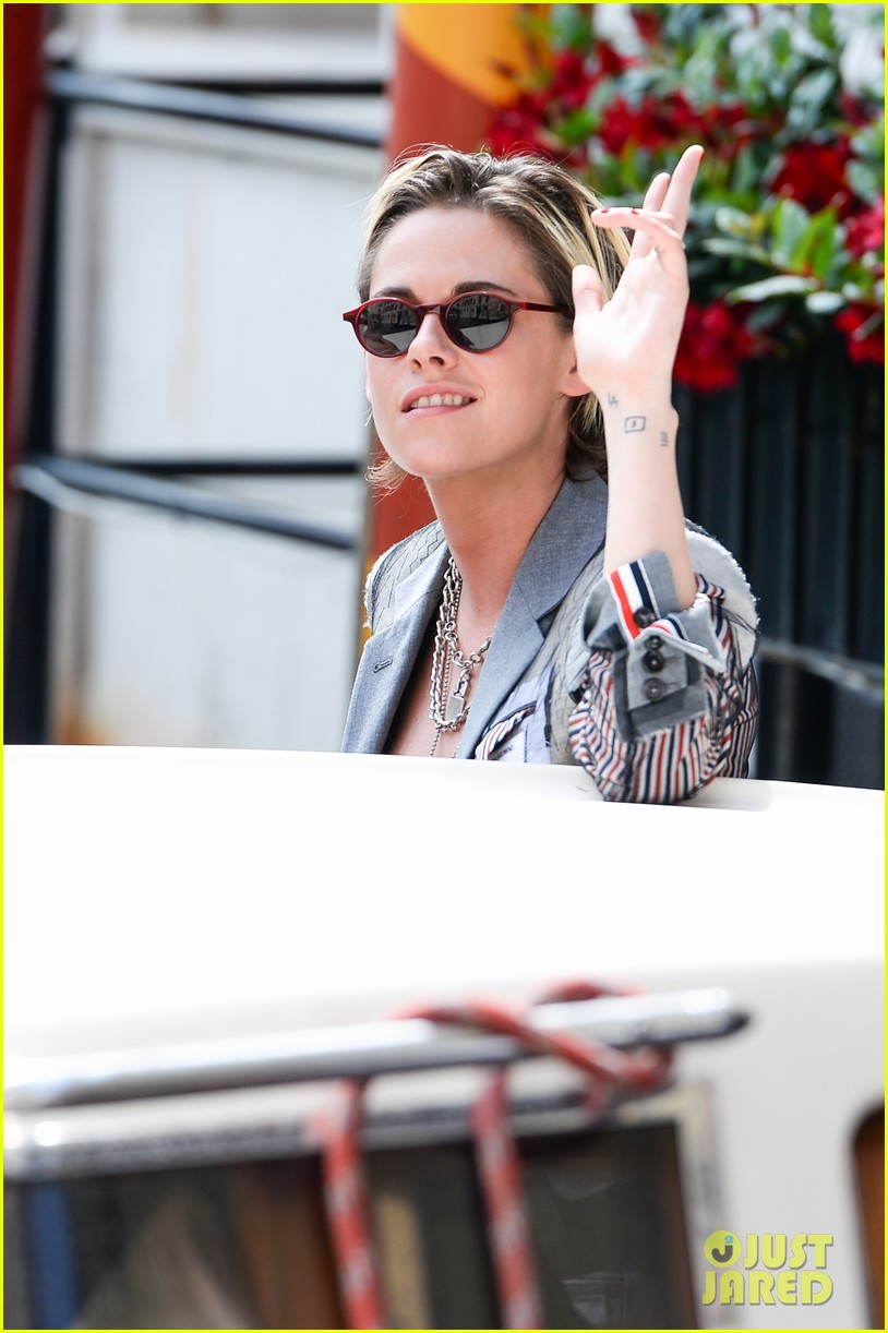 kristen stewart enjoys a day out during the venice film festival 014343327