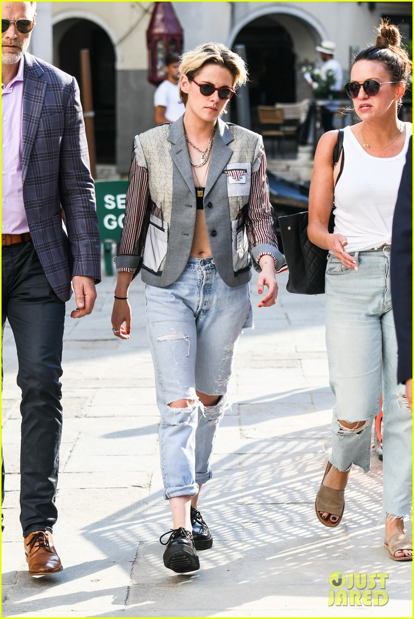 kristen stewart enjoys a day out during the venice film festival 044343330