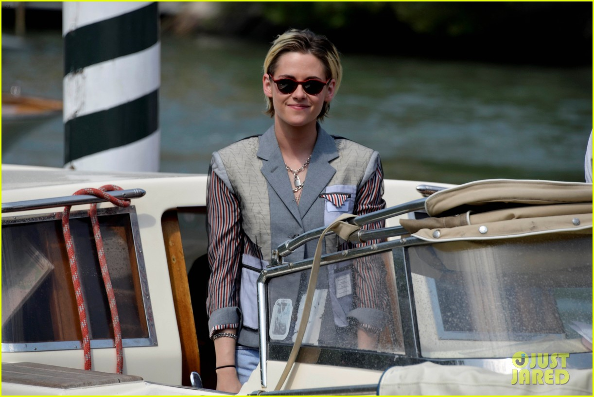 kristen stewart enjoys a day out during the venice film festival 054343331