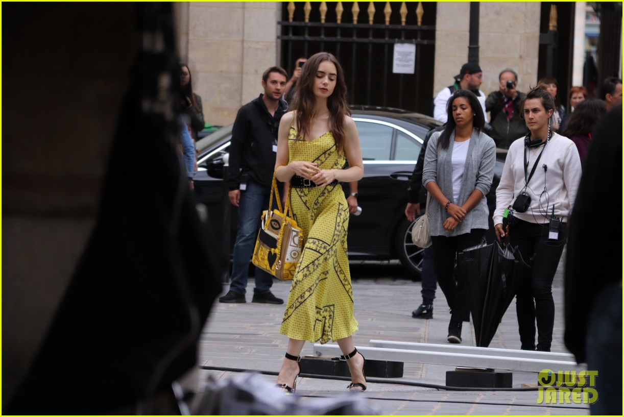 lily collins checked look new scene emily paris 054335950