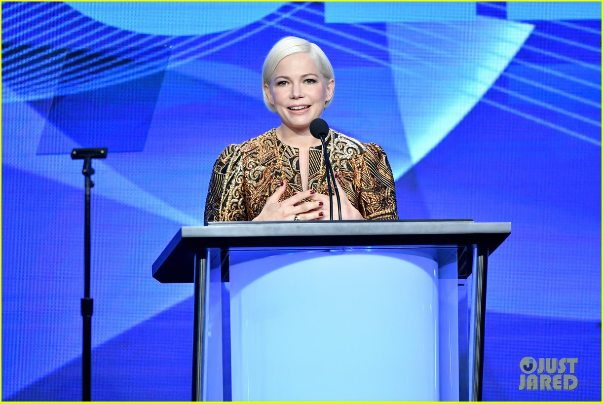michelle williams amy poehler natasha lyonne tca awards 17