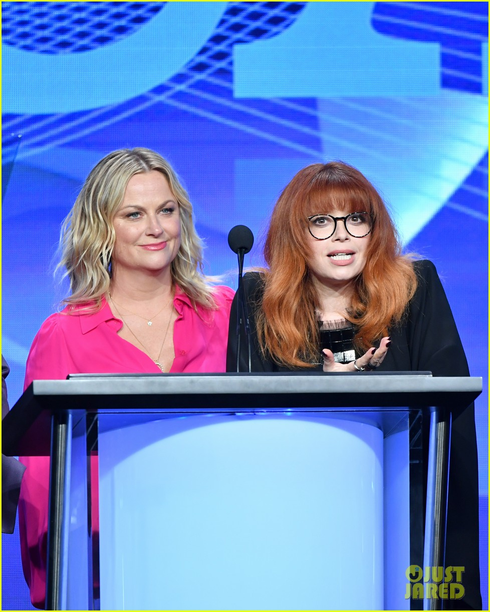 michelle williams amy poehler natasha lyonne tca awards 19