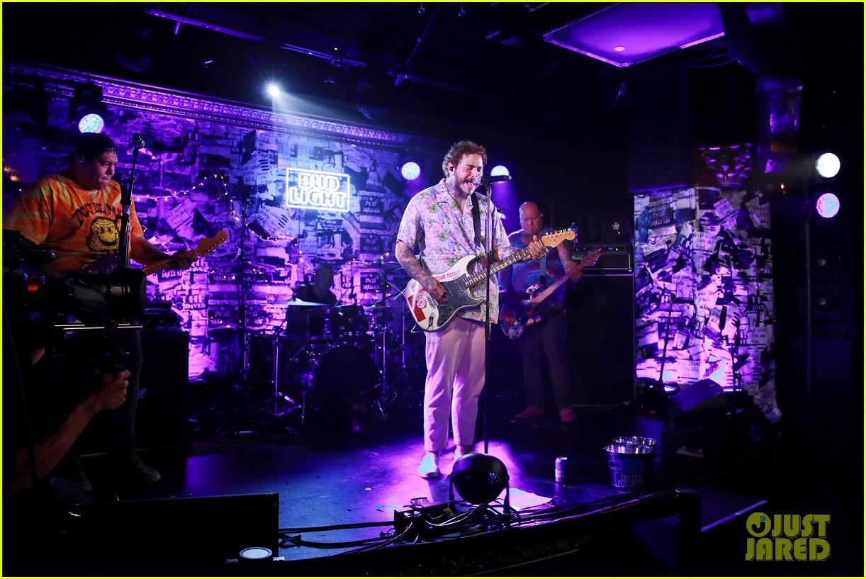 Post Malone Debuts Circles At Bud Light Dive Bar Show