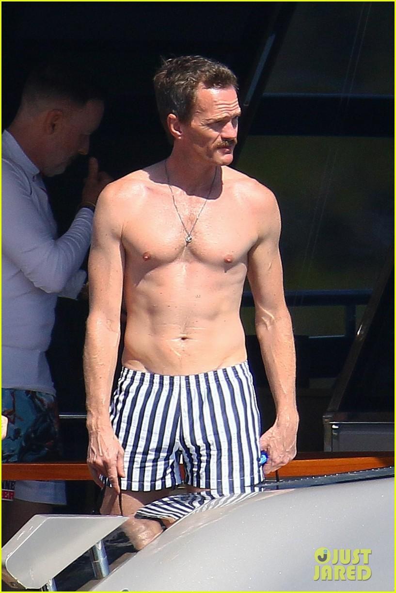 neil patrick harris shirtless david burtka france 16