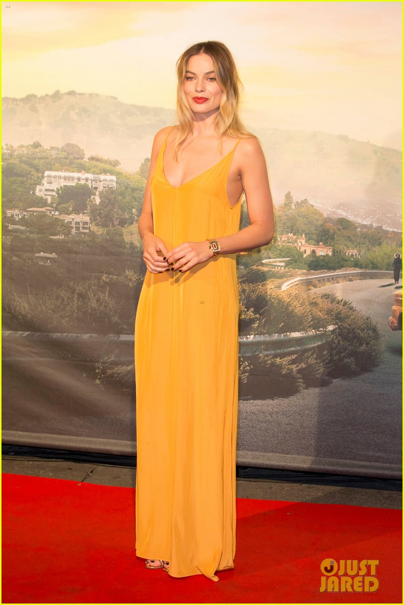 margot robbie leonardo dicaprio once upon a time in hollywood rome 01