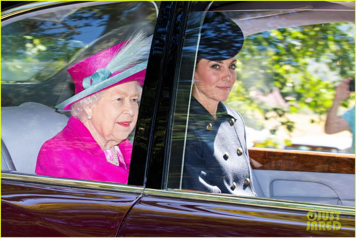 queen elizabeth kate middleton church august 2019 02
