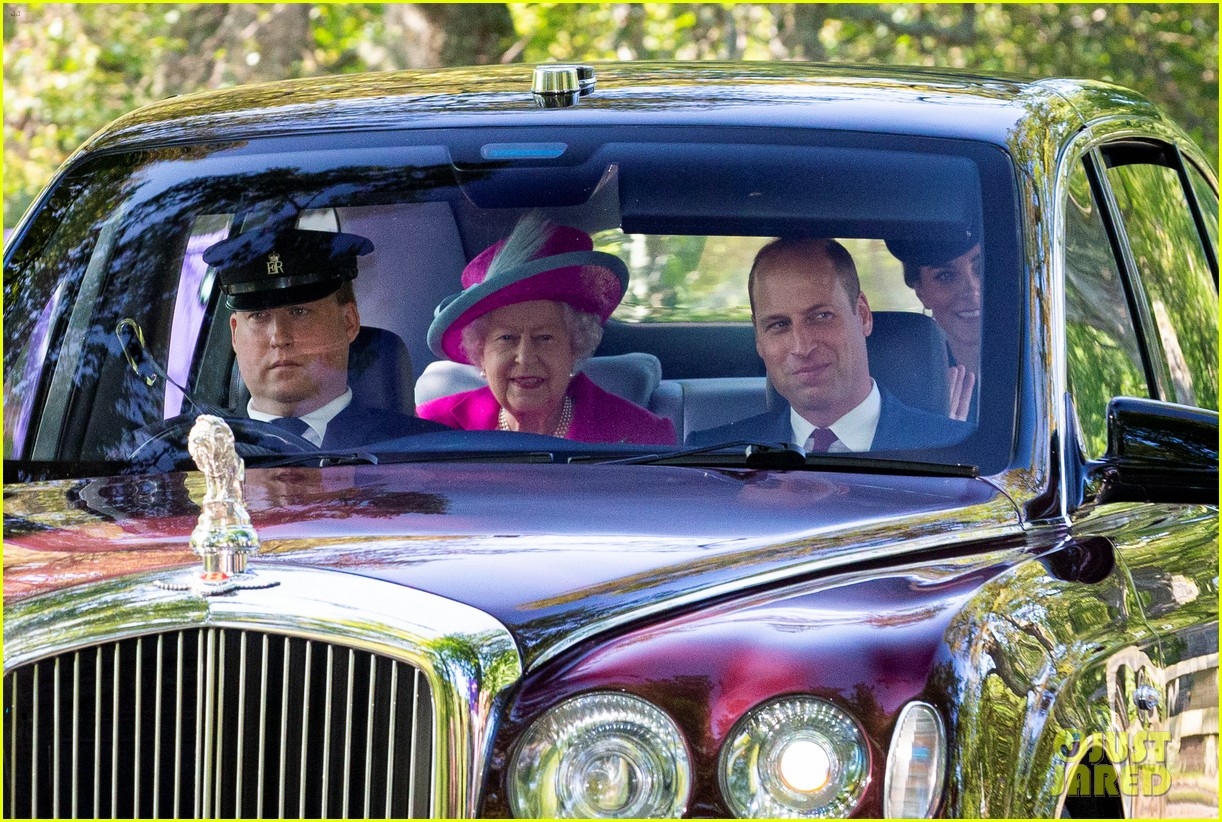 queen elizabeth kate middleton church august 2019 04