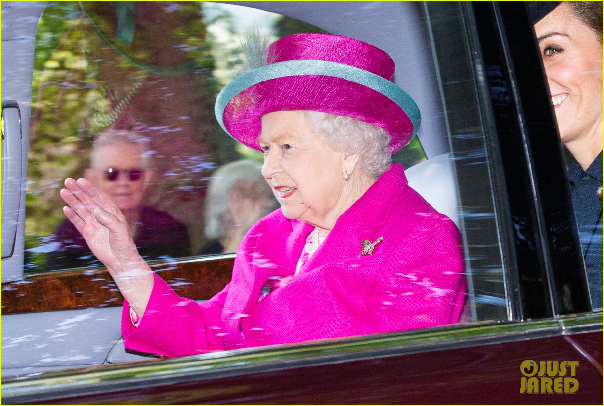 queen elizabeth kate middleton church august 2019 06