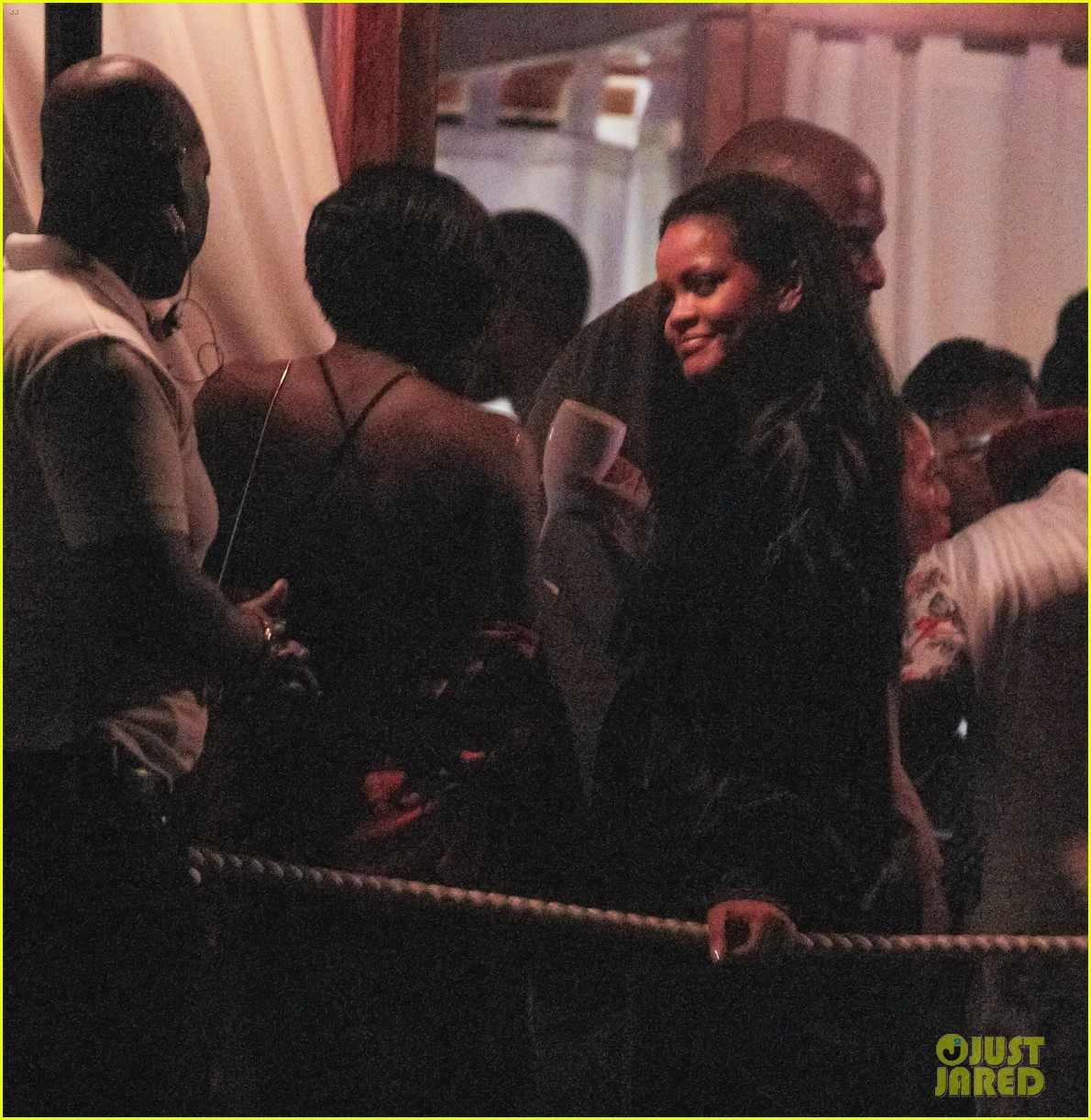 rihanna parties with friends in barbados 044330828