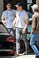ryan gosling meets up with director for lunch 01