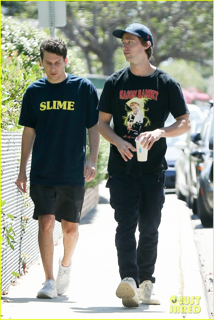 patrick schwarzenegger meets up with a friend in los angeles 034337241