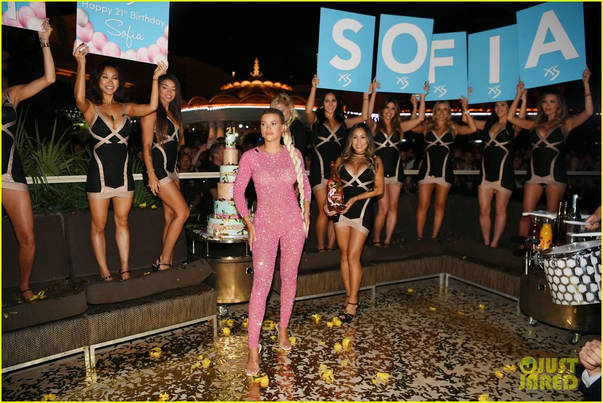 sofia richie pretty in pink for birthday celebrations in las vegas 164339967